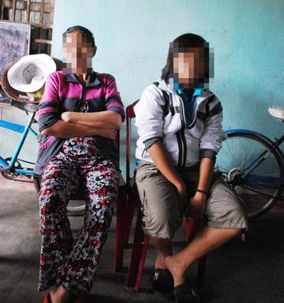2 ông già cưỡng dâm 1 nữ sinh suốt 2 năm - 1