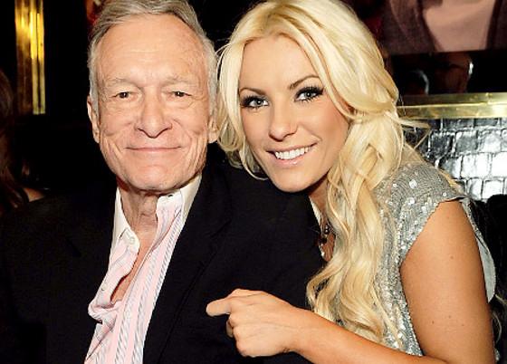 Vợ trẻ của ông chủ Playboy khoe nhẫn kim cương - 9