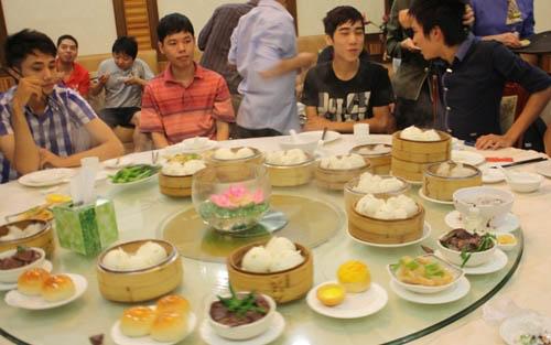 AoE Việt du đấu tại Trung Quốc - Chuyến đi bão táp - 2