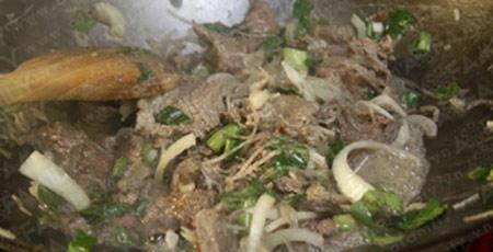 Bò xào lăn: Món nhậu ngon cho chàng - 8