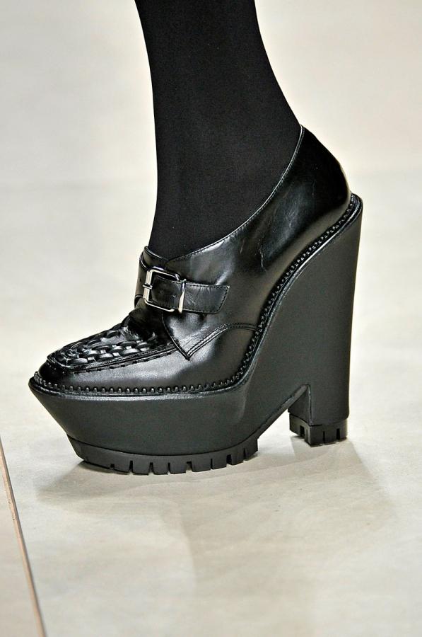 Thu/đông 2011-2012: Giày bốt có gì mới? - 3