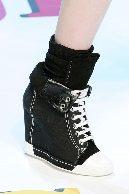 Thu/đông 2011-2012: Giày bốt có gì mới? - 2
