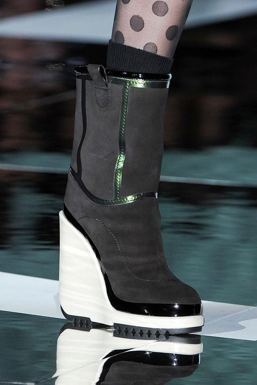 Thu/đông 2011-2012: Giày bốt có gì mới? - 1