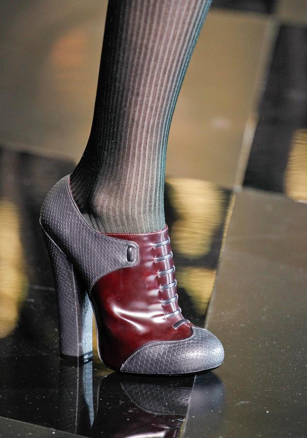 Thu/đông 2011-2012: Giày bốt có gì mới? - 15