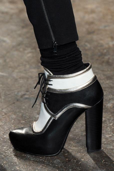 Thu/đông 2011-2012: Giày bốt có gì mới? - 17
