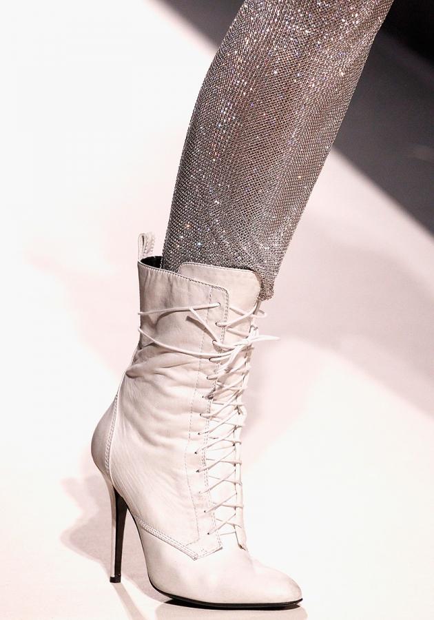 Thu/đông 2011-2012: Giày bốt có gì mới? - 20