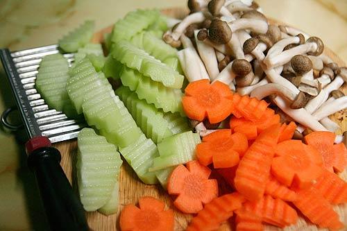 Canh nấm bổ dưỡng ngày mưa - 2