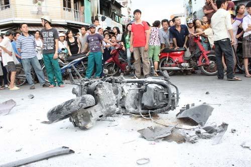 Tai nạn kinh hoàng: 11 xe vỡ nát - 2