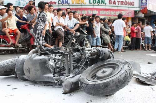 Tai nạn kinh hoàng: 11 xe vỡ nát - 5