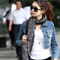 Mặc áo khoác jean đẹp và đúng mốt