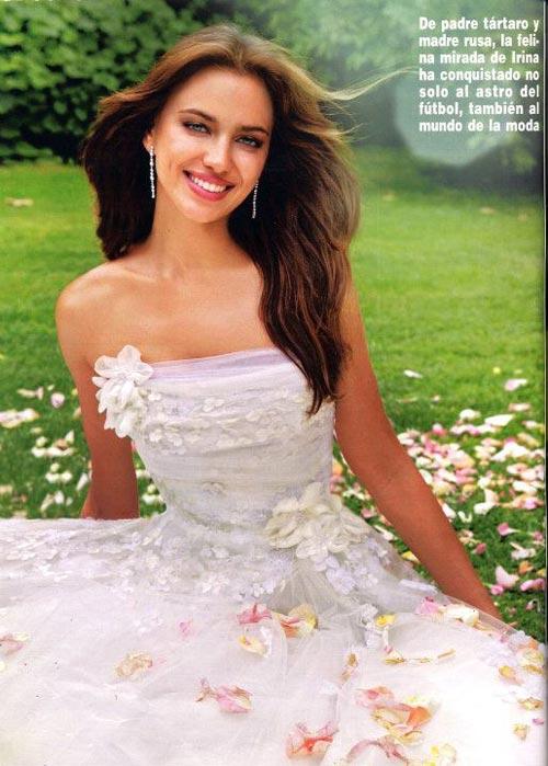 Irina Shayk quyến rũ trong váy cưới - 3