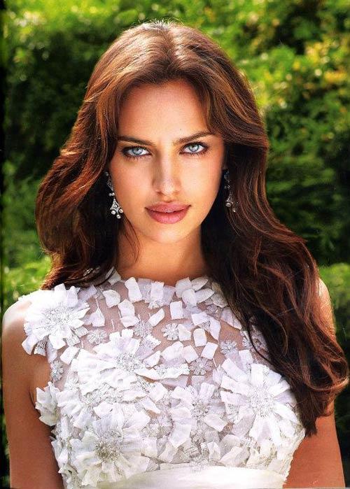 Irina Shayk quyến rũ trong váy cưới - 4