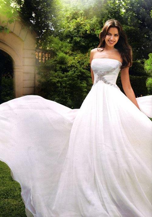 Irina Shayk quyến rũ trong váy cưới - 5