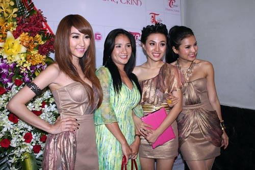 Ngân Khánh mở 'đại tiệc' mừng sinh nhật - 5