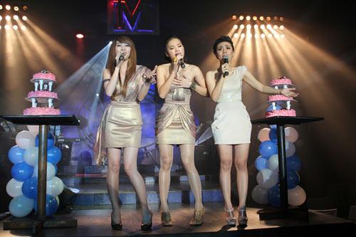 Ngân Khánh mở 'đại tiệc' mừng sinh nhật - 2