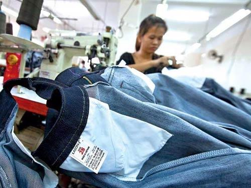 Xuất khẩu dệt may: khó dài sang năm 2012 - 1