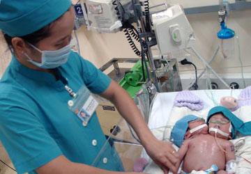 Bé 2 đầu: BS thiếu sót khi siêu âm thai - 1