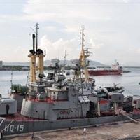 Xem tàu chiến của Hải quân Việt Nam