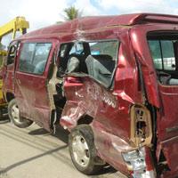 Tai nạn xe du lịch, 11 người thương vong