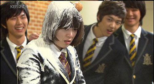 Bộ phim khiến cả Hàn Quốc phẫn nộ - 3