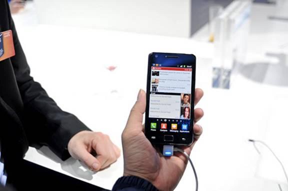 Mua Samsung Galaxy SII chính hãng tặng sạc cốc - 3