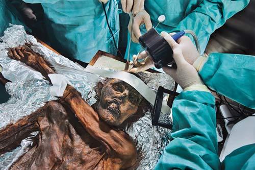 """""""Lời nguyền"""" của xác ướp 5300 năm bí ẩn - 2"""
