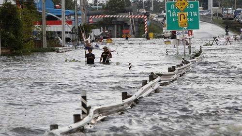 Nguy cơ lũ nhấn chìm thủ đô Thái Lan - 1