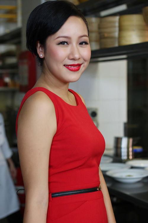 """Thời trang """"quý bà"""" của hoa hậu Việt - 1"""