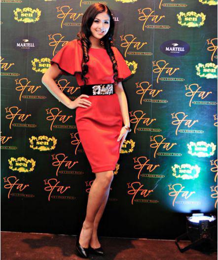 """Thời trang """"quý bà"""" của hoa hậu Việt - 13"""