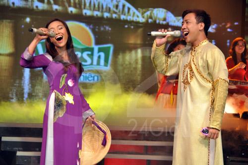 Đoan Trang hát dân ca, Trấn Thành đọc rap - 1