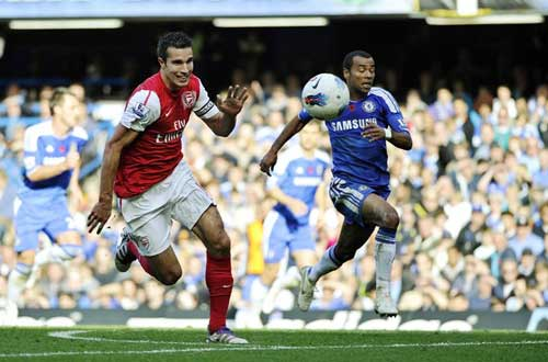 Ngoại hạng Anh sau vòng 10: Chelsea hụt hơi, Man City vững bước - 1