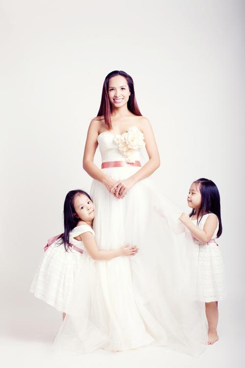 Con gái Thúy Hạnh sành điệu không kém mẹ - 15