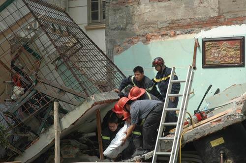 Vụ nổ bình ga sập nhà: 2 trẻ đã tử vong - 8