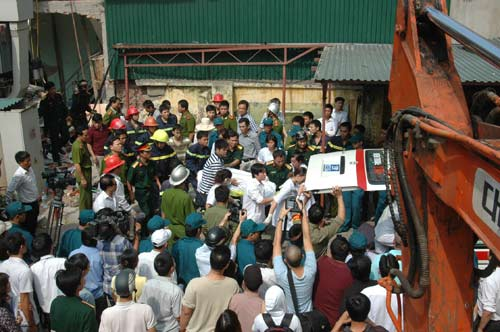 Vụ nổ bình ga sập nhà: 2 trẻ đã tử vong - 9