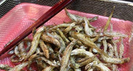 Cá cơm kho cay ngon miệng - 4
