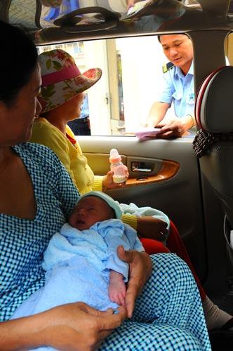 Mối lo bắt cóc trẻ sơ sinh tại bệnh viện - 1