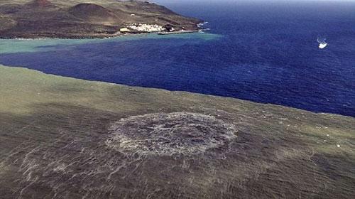 Núi lửa phun trào tạo đảo mới ở Tây Ban Nha - 1