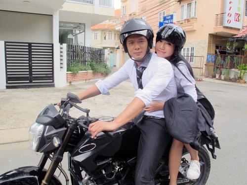 """Bình Minh """"lừa tình"""" Elly Trần - 1"""