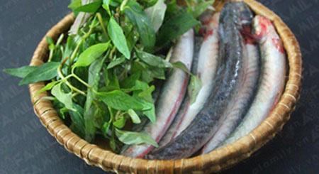 Thơm lừng cá kèo kho rau răm - 1