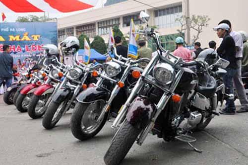 Dàn mô tô 'khủng' lướt trên đường phố Hạ Long - 3