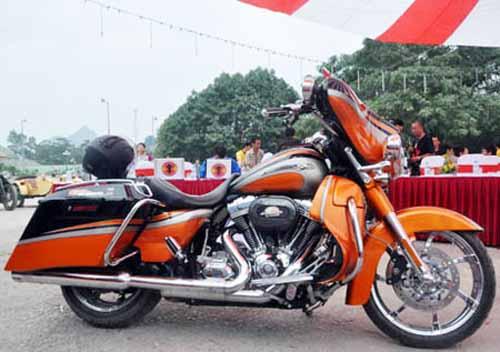 Dàn mô tô 'khủng' lướt trên đường phố Hạ Long - 7