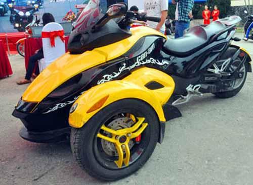 Dàn mô tô 'khủng' lướt trên đường phố Hạ Long - 8