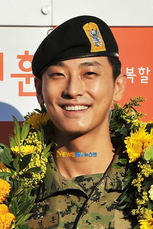 """""""Thái tử"""" Joo Ji Hoon đã xuất ngũ - 8"""