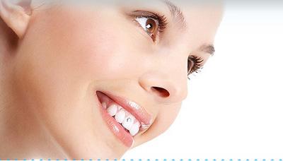 Cách tẩy trắng răng an toàn nhất - 1