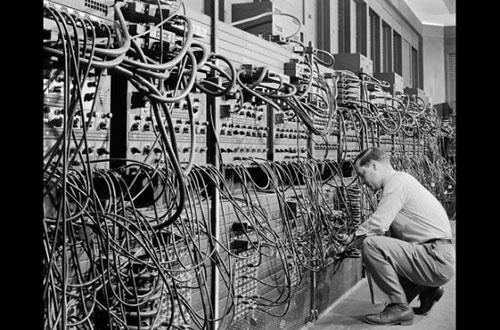 Ngắm nhìn những chiếc máy tính đầu tiên trên thế giới - 1
