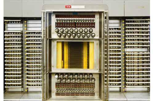 Ngắm nhìn những chiếc máy tính đầu tiên trên thế giới - 2