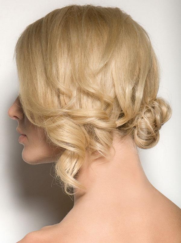Tạo kiểu tóc búi và xoăn lọn quyến rũ - 1