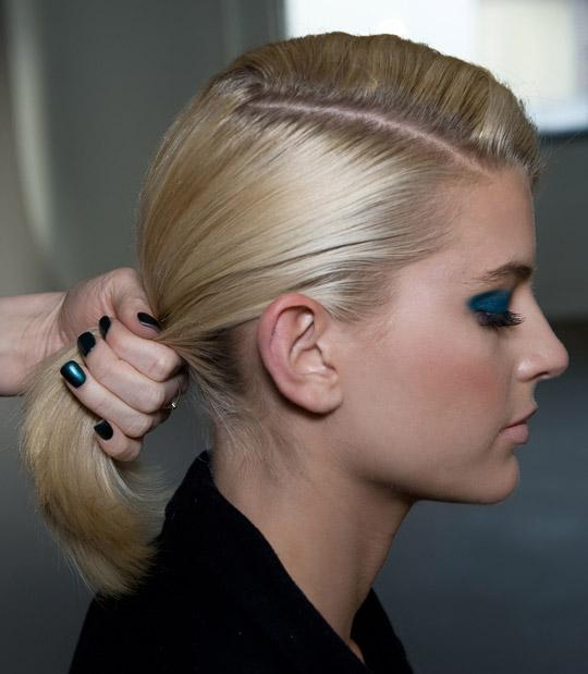 Tạo kiểu tóc búi và xoăn lọn quyến rũ - 5