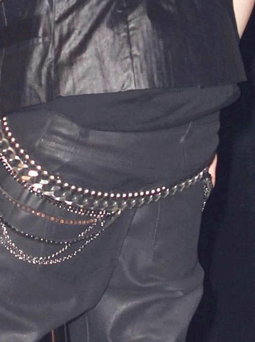 Justin Bieber khoe quần chíp... kỳ quặc - 14