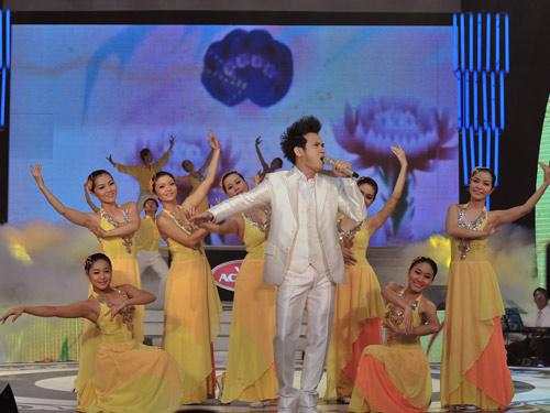 Bùi Anh Tuấn đăng quang Ngôi sao tiếng hát truyền hình 2011 - 10